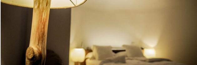 Come illuminare la stanza da letto punto luce - Insonorizzare stanza da letto ...