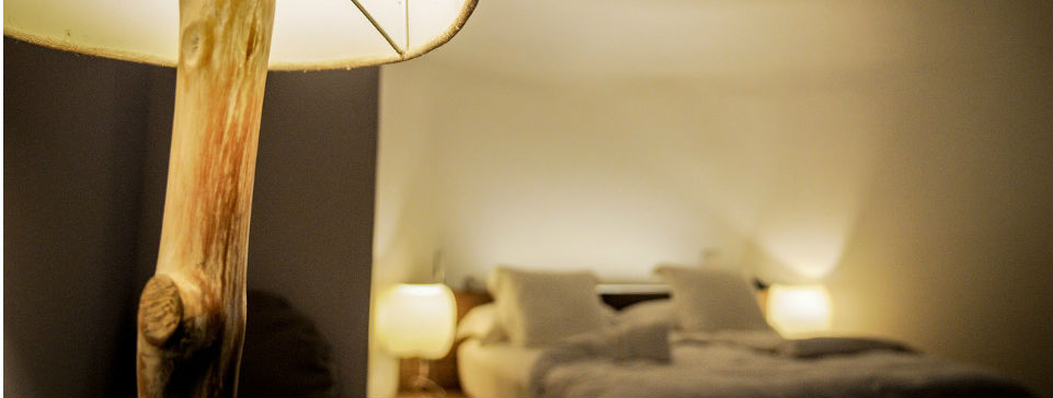 Come illuminare la stanza da letto punto luce for Lampade stanza da letto