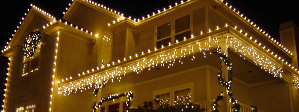 Luci Natale Esterno.Come Mettere Le Luci Natalizie Da Esterno Punto Luce
