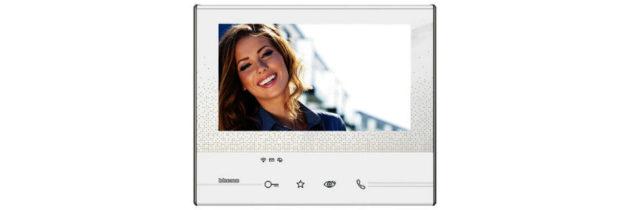 Scopri le tante funzioni del kit videocitofono monofamiliare Classe 300X13E